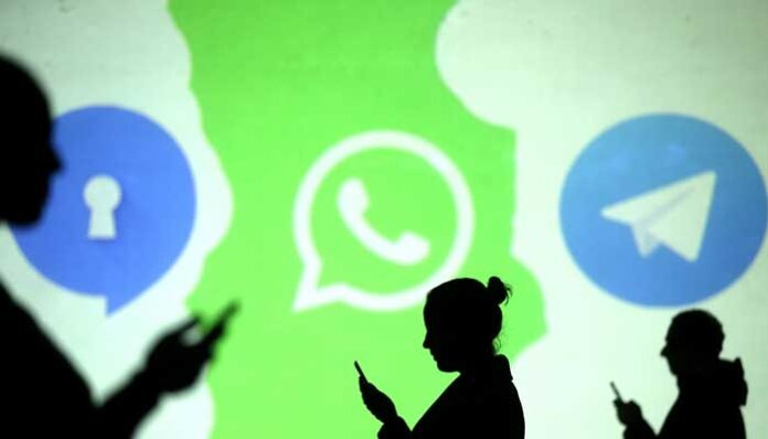 WhatsApp's Clarification Fails To Impress Indian inc As They 'Signal' A Switch